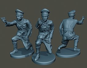 3D print model German Officer ww2 Shoot crouched G5
