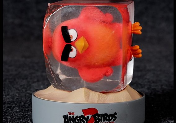 Red Angry Birds Movie 02