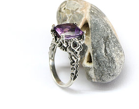 Sculpted ring in a fantasy style 3D printable model