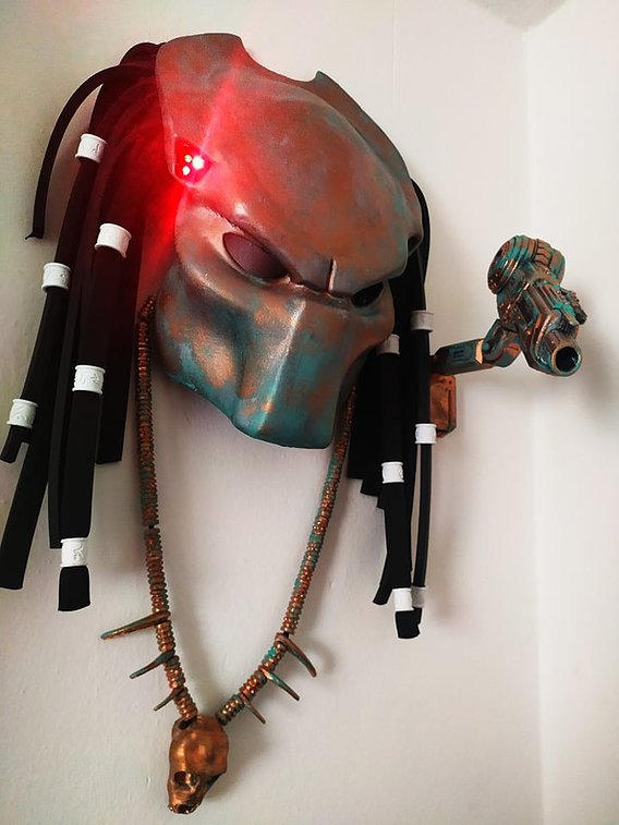 Predator Costume Mask Wall Decoration
