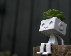 ROBBIE THE ROBOT SITTING 3D print model garden